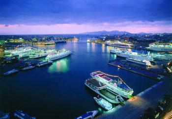 piraeus-port-night-2
